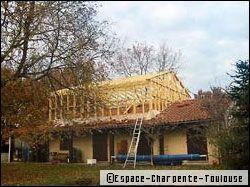El vation de toiture chantier de longue haleine mais for Rehaussement de toiture