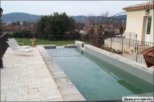 R novation de piscine la r sine de polyester au secours for Remplacement liner par resine piscine