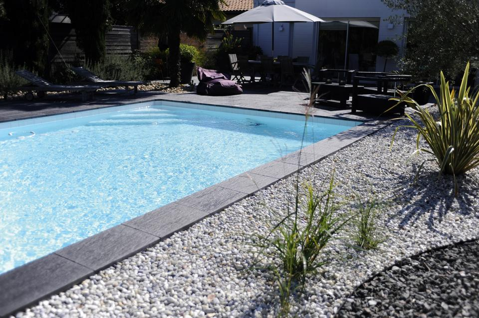 Abords de piscine quel rev tement choisir for Creuser sa piscine