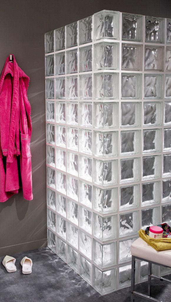 Salle de bains : craquez pour les briques de verre ! | Travaux.com