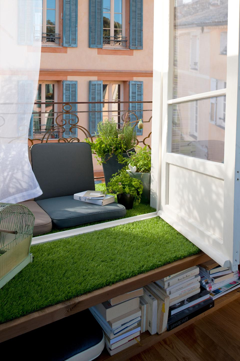 Am nager une terrasse design sans perdre de place for Amenagement petit jardin avec terrasse