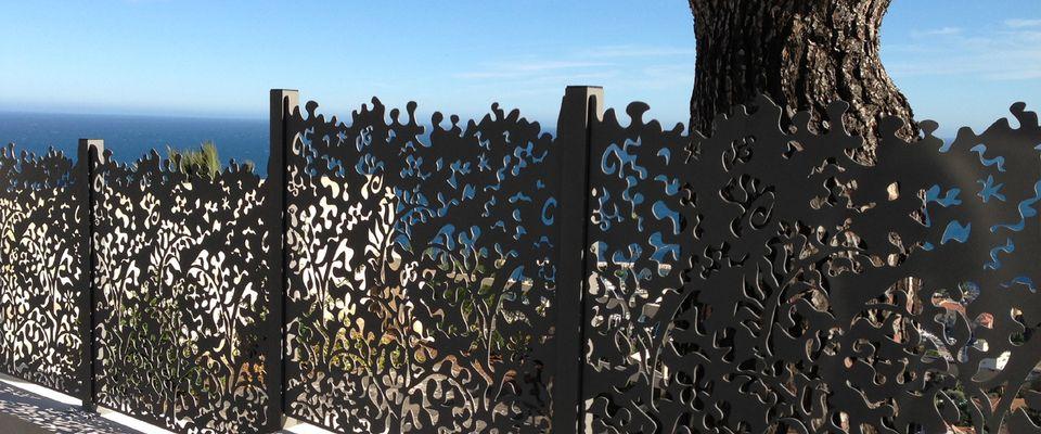 Des cl tures de jardin design pour d limiter avec style for Modele de grillage pour fenetre