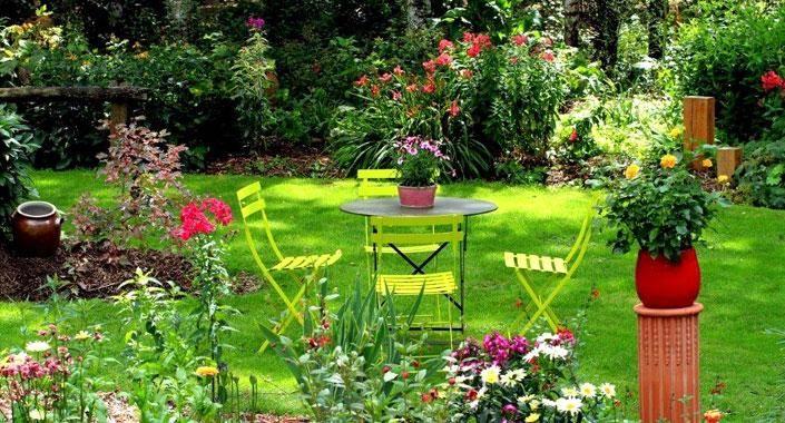 entretien de jardin les travaux r aliser pendant l 39 t. Black Bedroom Furniture Sets. Home Design Ideas