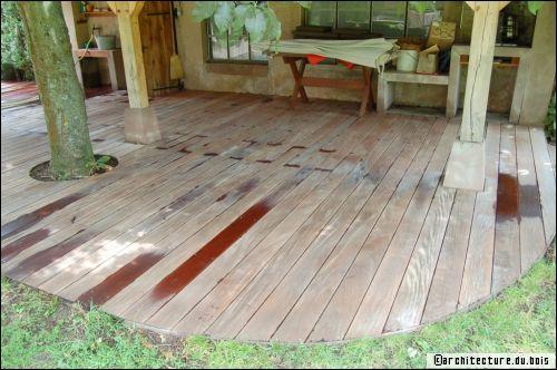 Terrasse en bois astuces et conseils d 39 entretien - Peinture pour terrasse bois ...