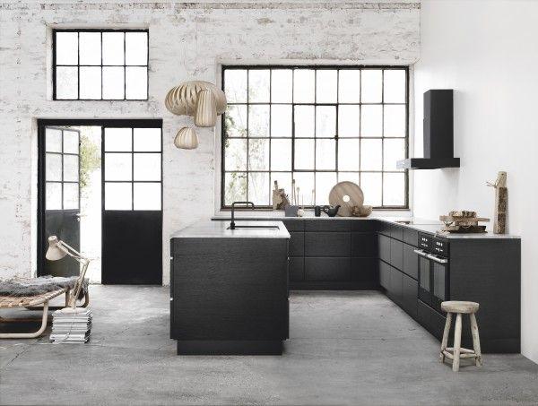 Une cuisine noire pour une déco lumineuse