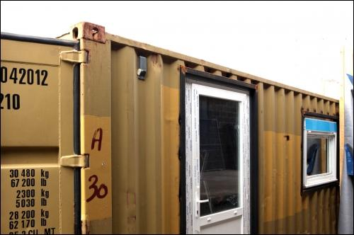 La maison container arrive en france for Conteneur pour renovation