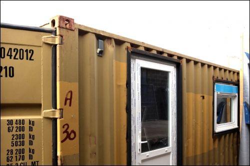 La maison container arrive en france for Maison container que choisir