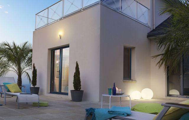 Choisir ses fen tres en fonction du style de sa maison for Couleur de facade maison moderne