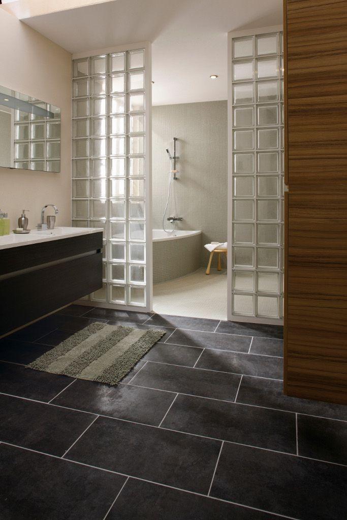 salle de bains : craquez pour les briques de verre ! | travaux.com - Pave De Verre Salle De Bain