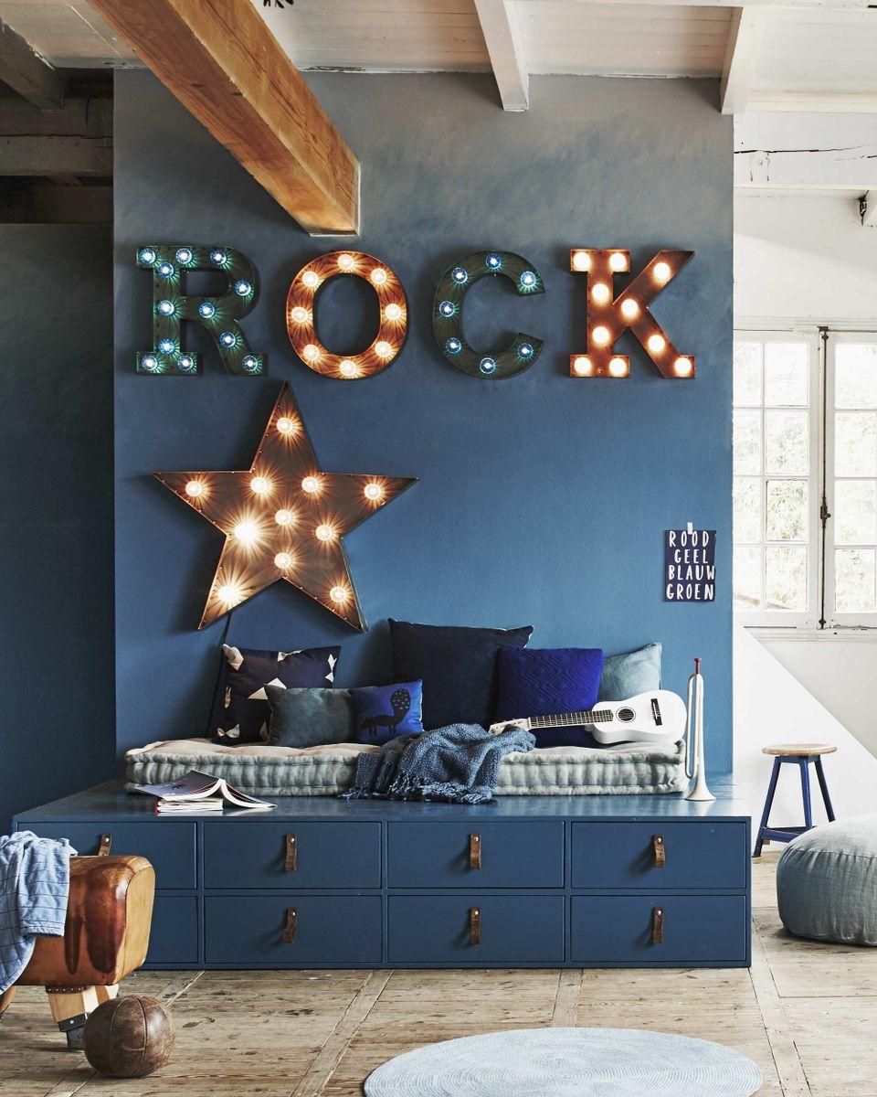 conseils suivre pour relooker une chambre d 39 ado. Black Bedroom Furniture Sets. Home Design Ideas