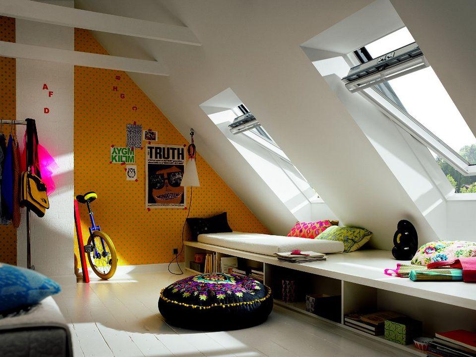 Souvent Fenêtres de toit : quelques idées lumineuses | Travaux.com QN61