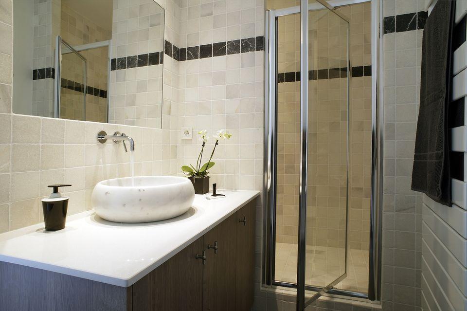 R novation un pavillon de style industriel dans les for Concept usine salle de bain