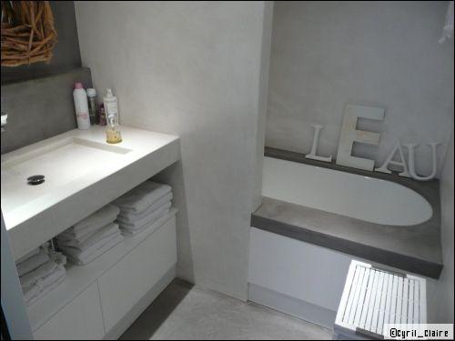 Une salle de bains en b ton cir est ce vraiment pratique for Beton cire salle de bain sur faience 2