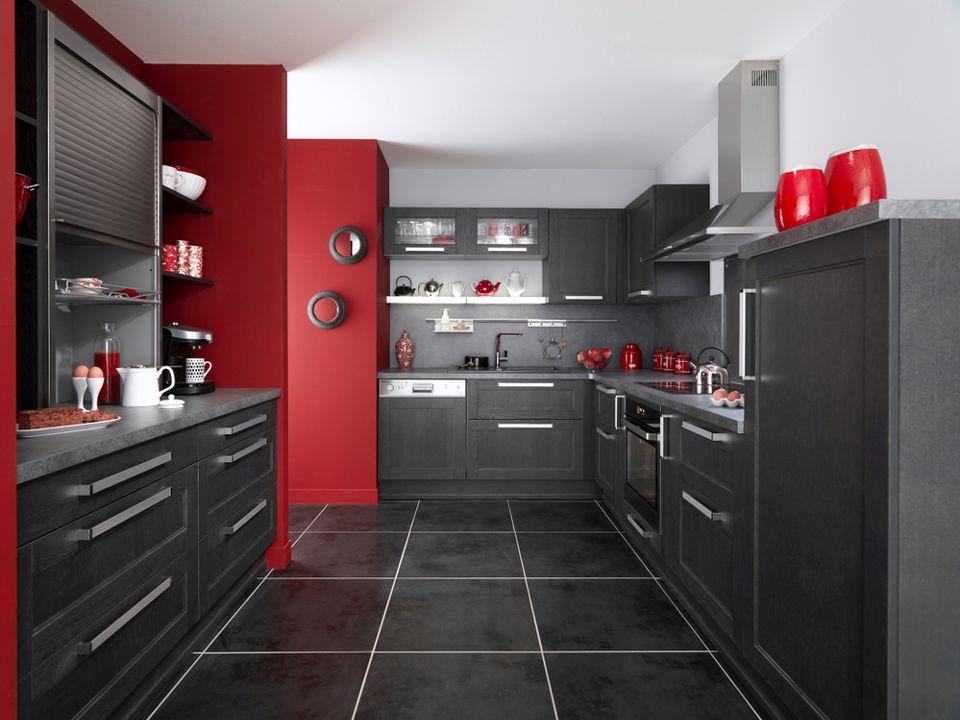 Une cuisine noire pour une d co lumineuse for Cuisine avec carrelage gris