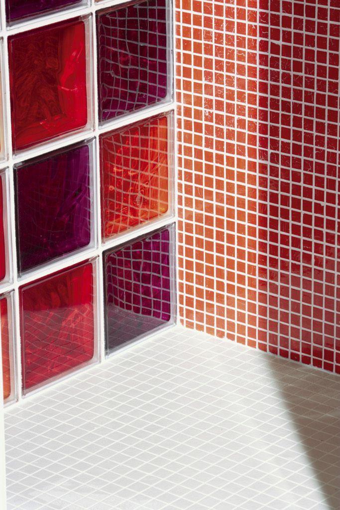 salle de bains : craquez pour les briques de verre ! | travaux.com - Carreaux De Verre Pour Salle De Bain