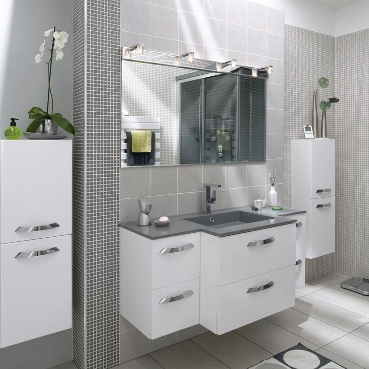 10 astuces pour am nager une petite salle de bains for Carrelages lapeyre salle bain