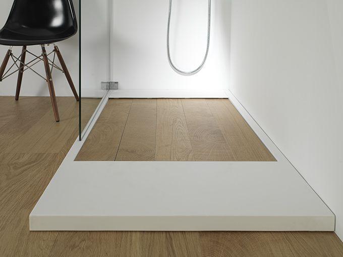 Am nager une salle de bains sous les toits for Sol salle de bain plancher bois