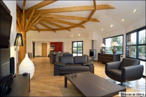 Une maison en bois ronde et cologique for Maison yourte moderne