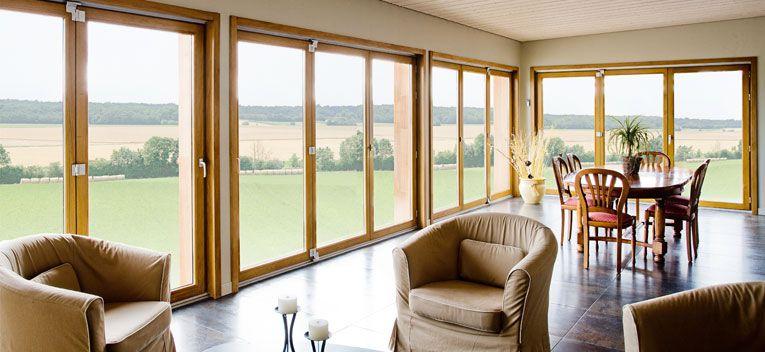 fenetre coulissante bois le mur de verre la version xxl de vos fentres with fenetre coulissante. Black Bedroom Furniture Sets. Home Design Ideas