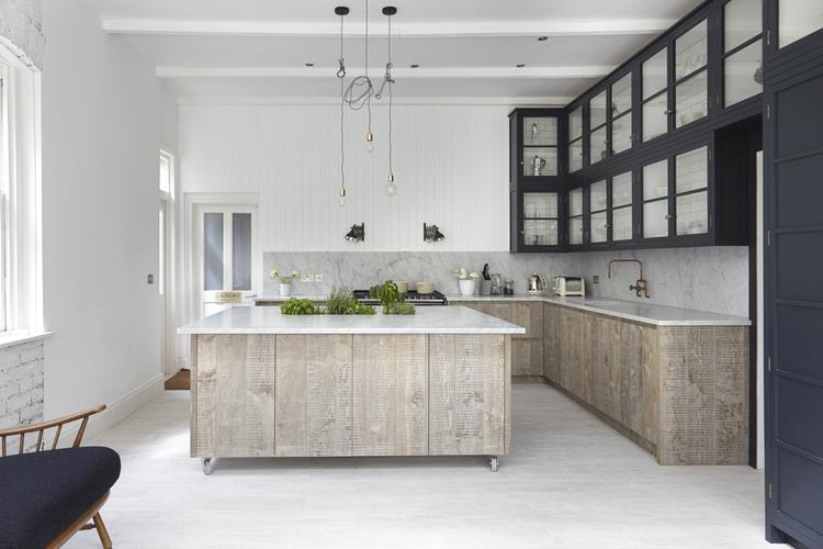 12 modeles de cuisine qui font la tendance en 2015 for Kitchen cabinet trends 2018 combined with papier imprime