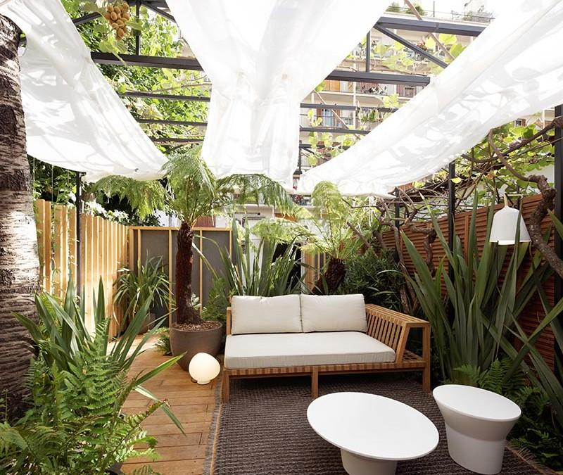 6 astuces pour am nager un petit jardin. Black Bedroom Furniture Sets. Home Design Ideas
