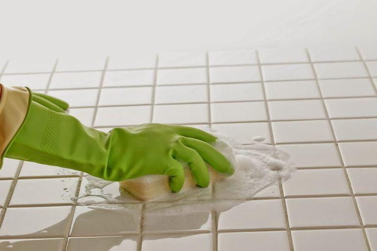 Nettoyage carrelage et joints
