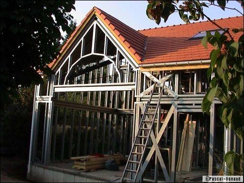 Charpente et structure métallique : construction originale à coût très raisonnable